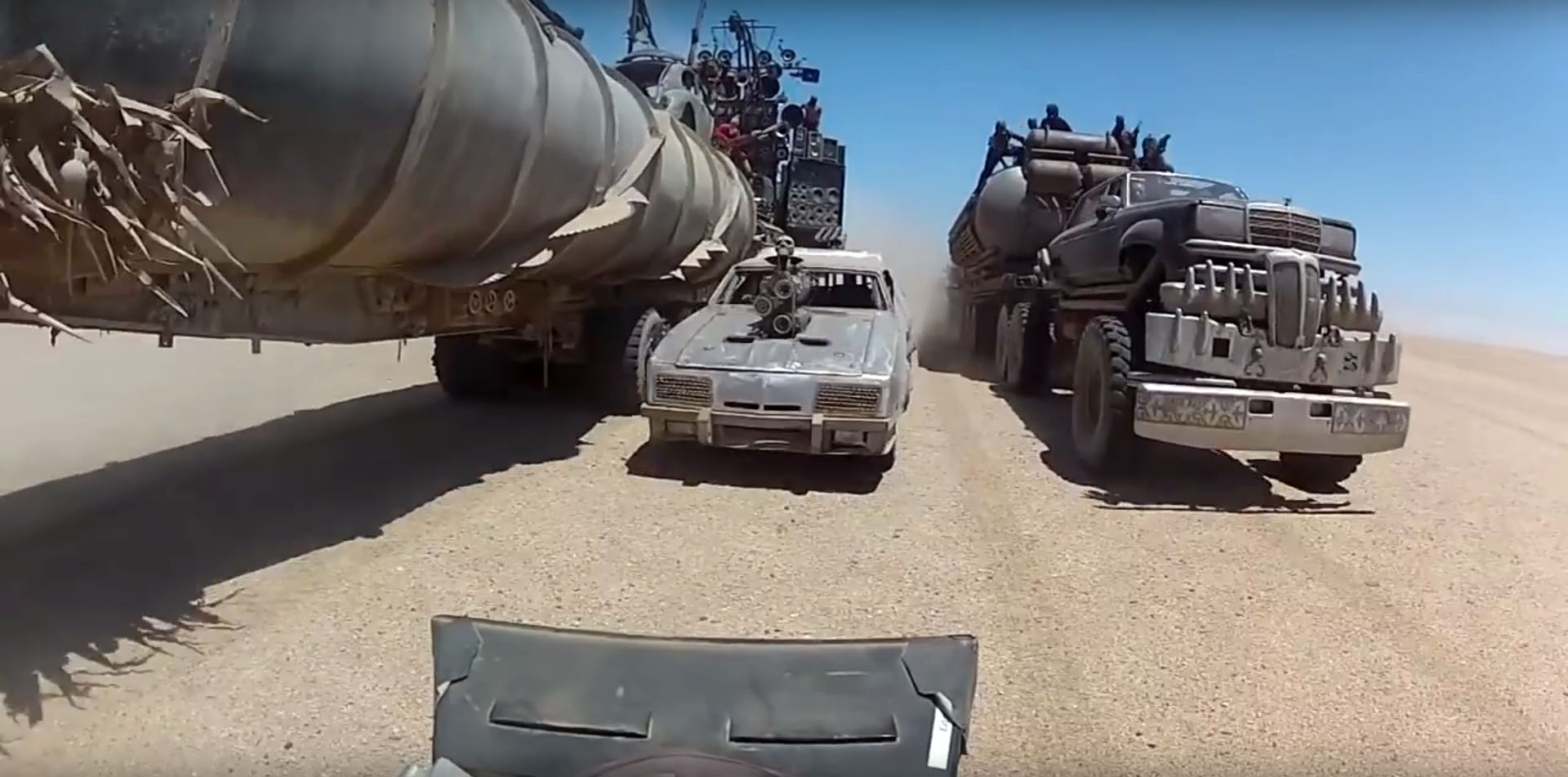Road Warrior Trailer >> Mad Max: Fury Road New Trailer Has Epic Car Stunts - autoevolution