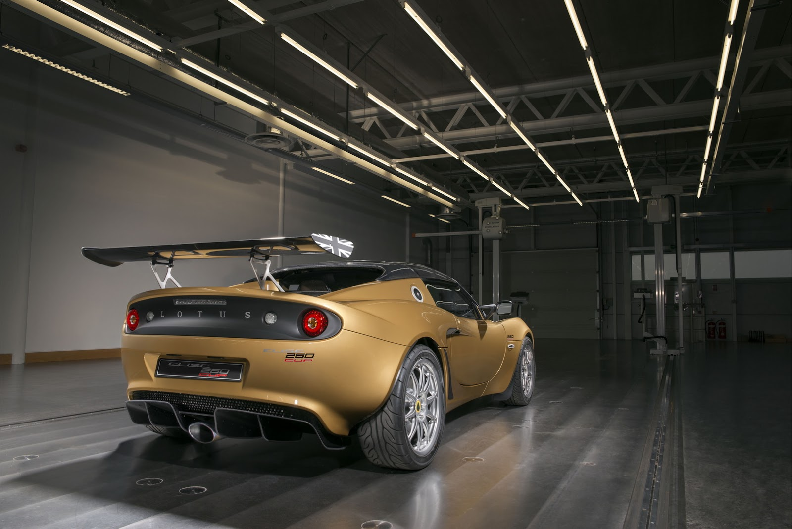 2018 lotus suv. modren 2018 championship goldpainted 2018 lotus elise cup 260 with lotus suv