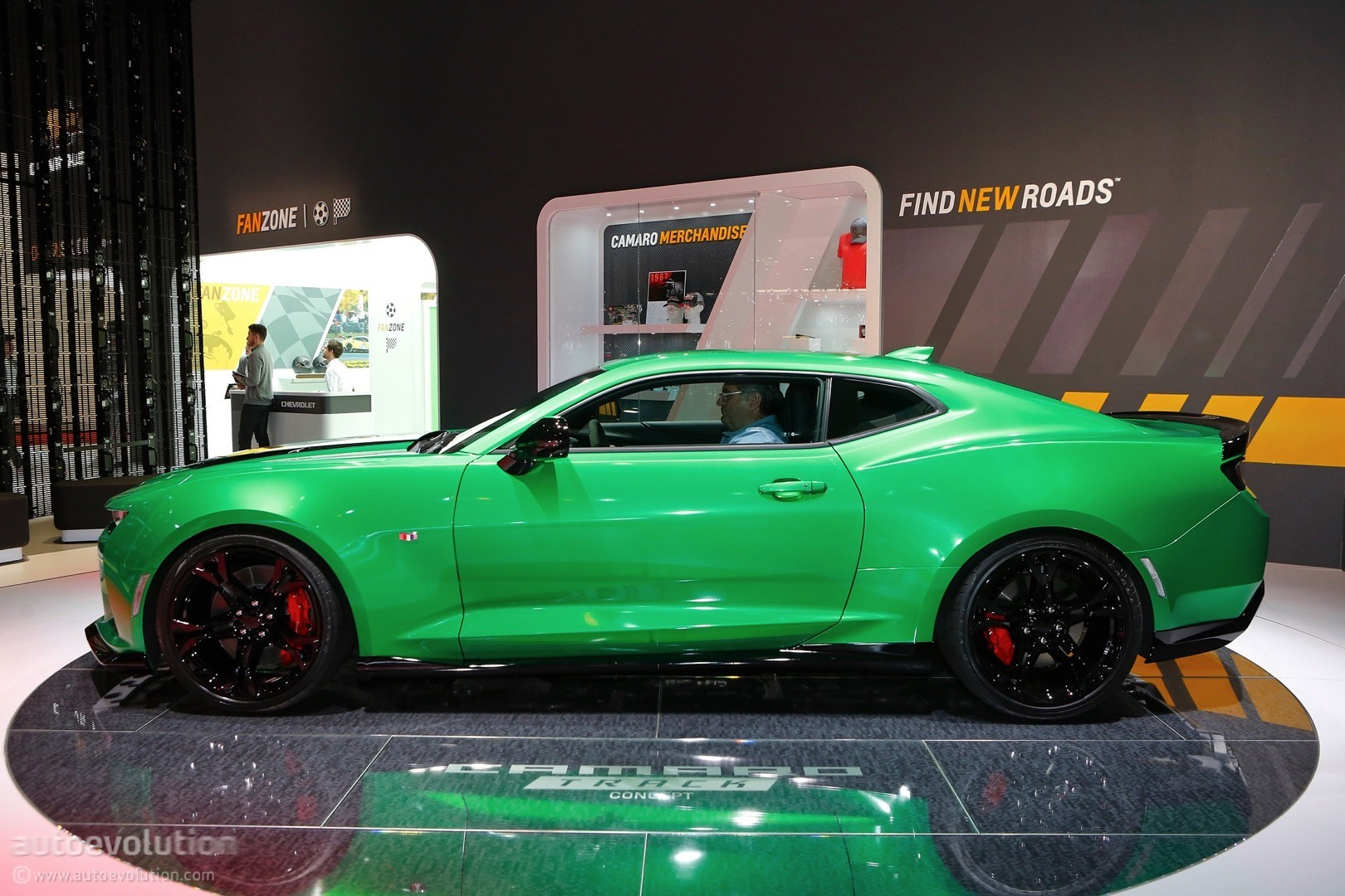 Chevrolet S Geneva Concept Is A Camaro 1le In Disguise Autoevolution