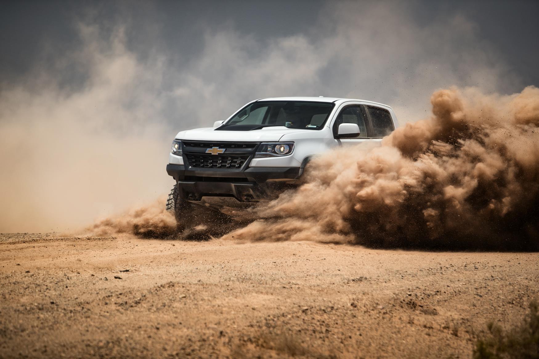 2017 Chevy Colorado Zr2 >> Chevy Colorado ZR2 AEV and ZR2 Race Development Trucks Debut at SEMA - autoevolution