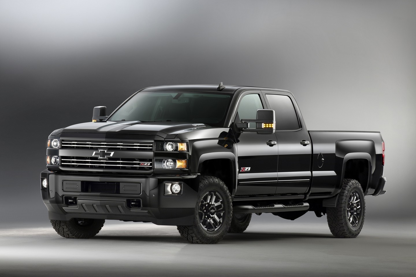2016 chevy silverado and colorado midnight edition
