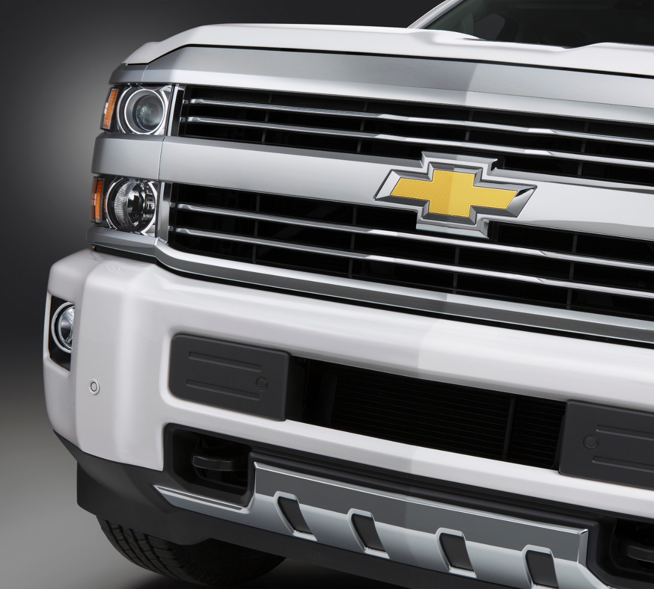 Chevy Unveils 2015 Silverado High Country Hd Video Autoevolution