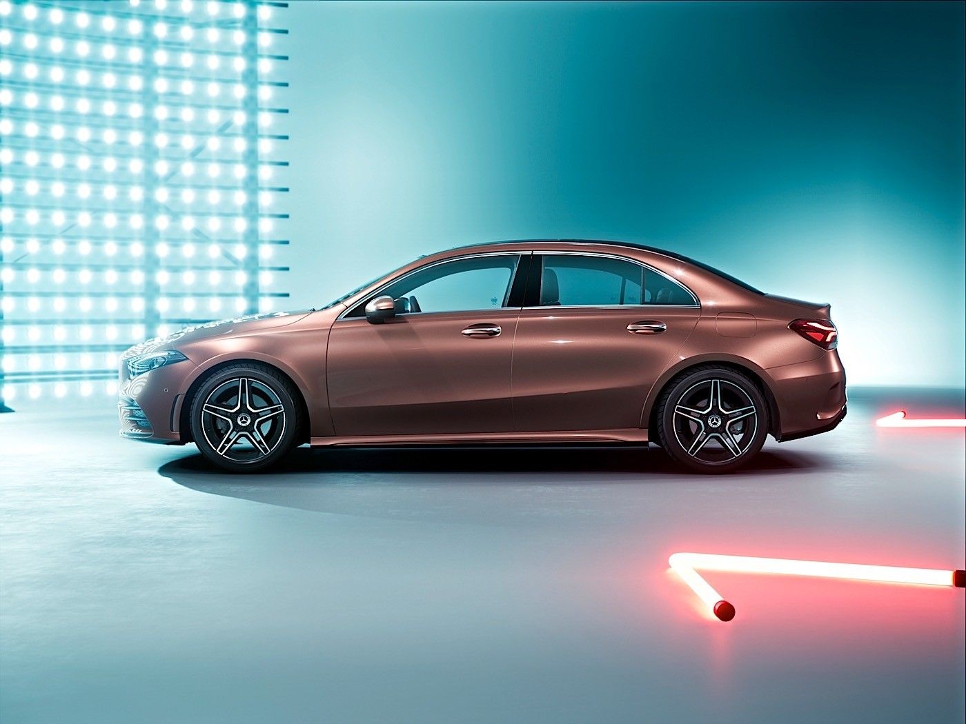 China only mercedes benz a class l sedan unveiled ahead of for Mercedes benz a class sedan
