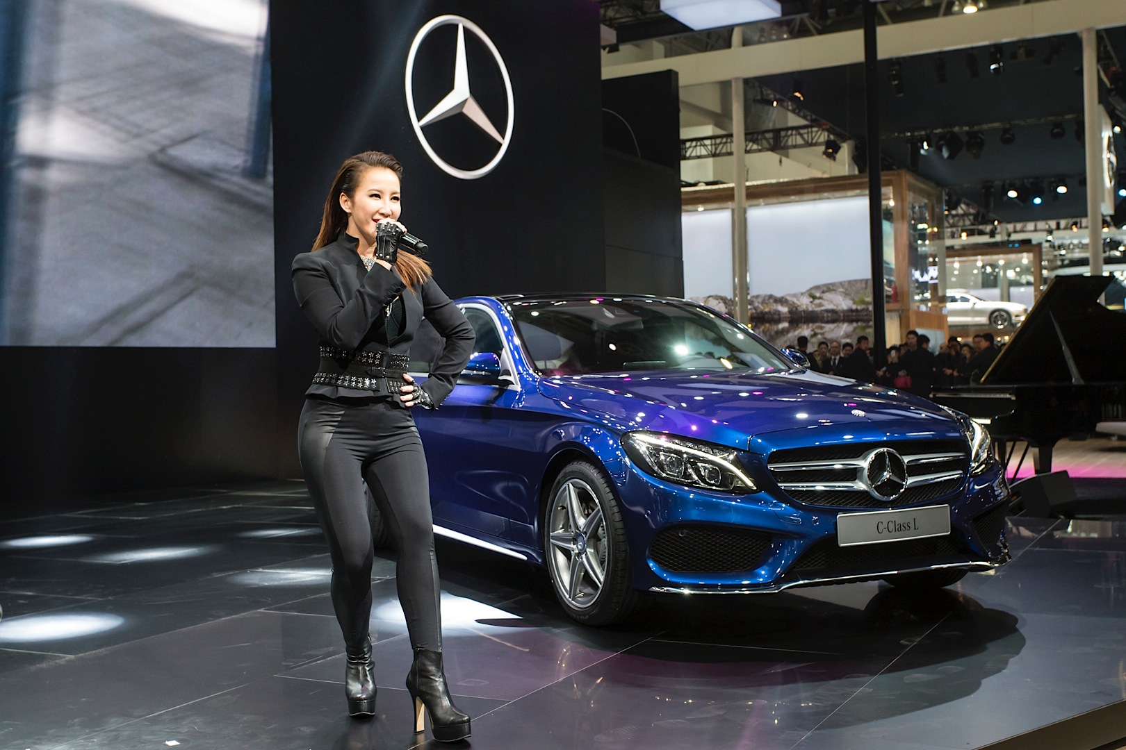 China only mercedes benz c class long gets launched in for Mercedes benz china
