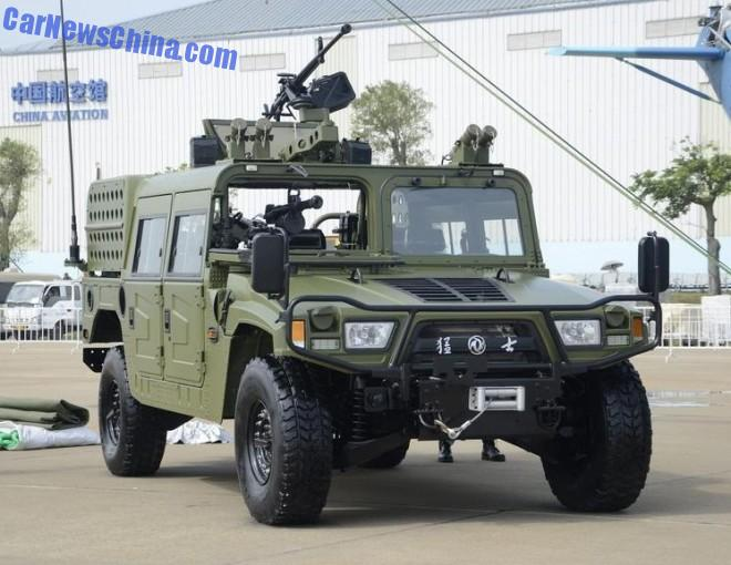 Chinese Humvee Clone Assault Vehicles Leave Soldiers