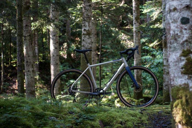 Superstrata Bike Has 3D-Printed Carbon Fiber Unibody, Is a