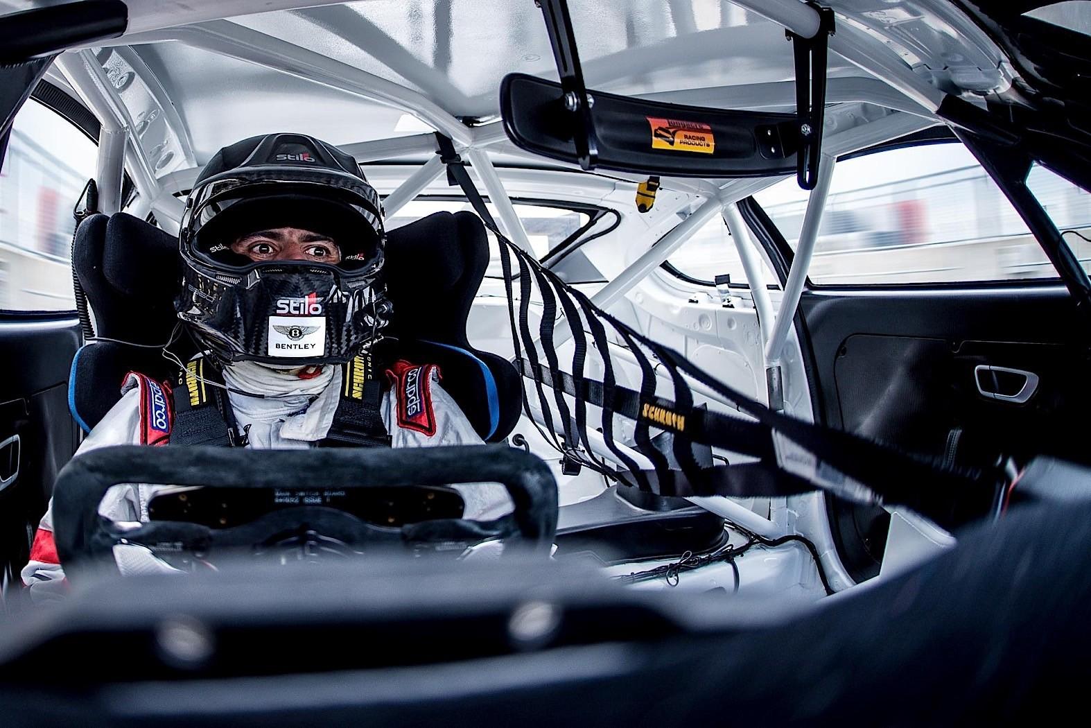 When A Stranger Calls Back Chris Harris Becomes A Racing Driver Again Autoevolution
