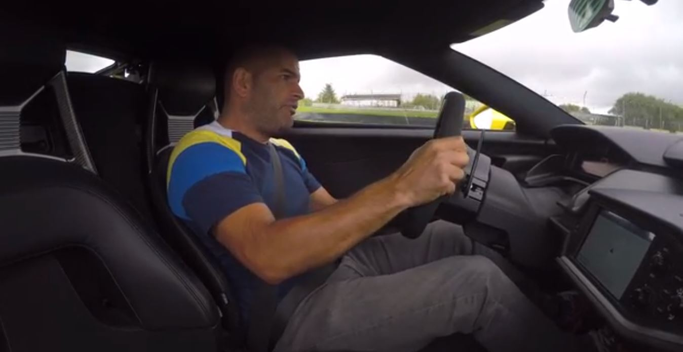 Chris Harris Drives The  Ford Gt