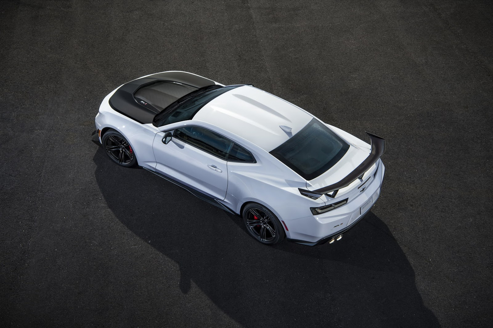 Chrome 2018 Chevrolet Camaro ZL1 1LE with Glass Roof Is a Mind-Blowing Mashup - autoevolution