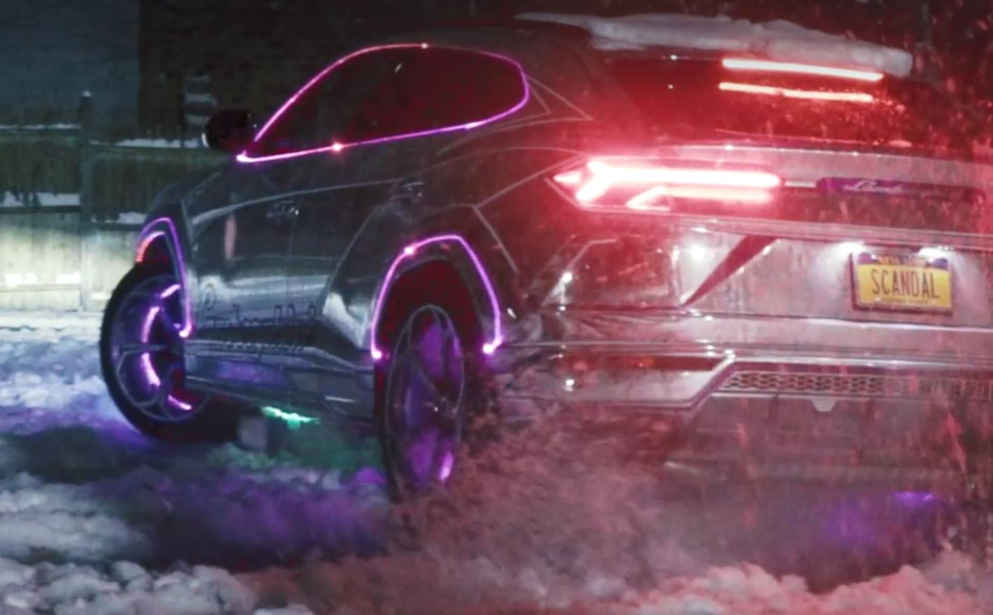 Chrome Lamborghini Urus Does Snow Drift Looks Amusing Autoevolution