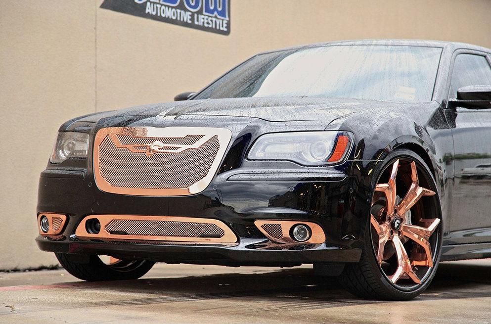 Chrysler 300 Srt Goes Bling Bling With 24 Inch Forgiato