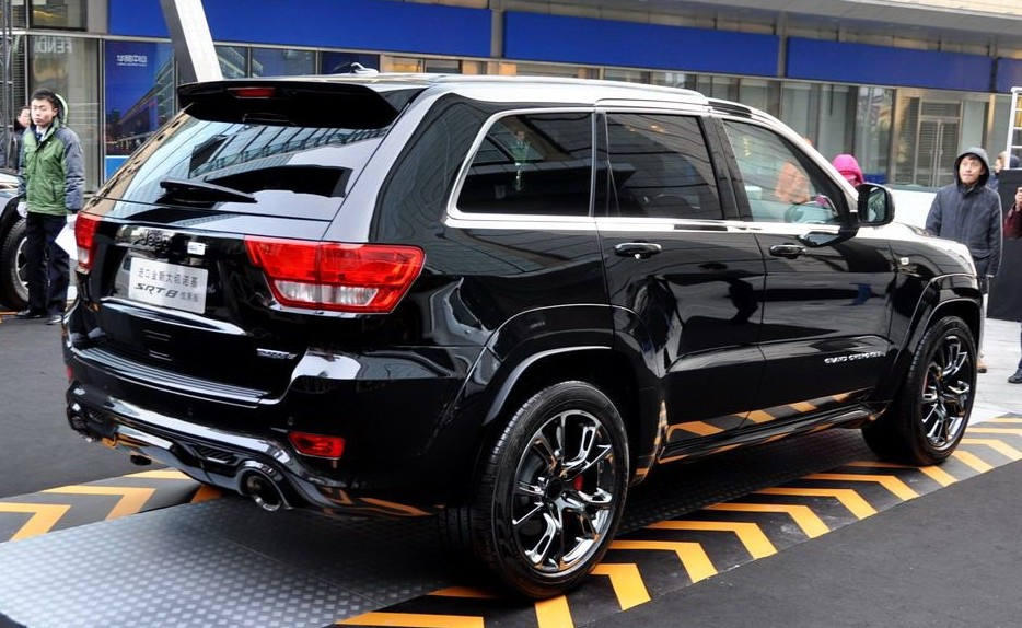 2013 Jeep Grand Cherokee Overland Summit >> Chrysler Launches Jeep Grand Cherokee SRT8 Black Edition in China - autoevolution