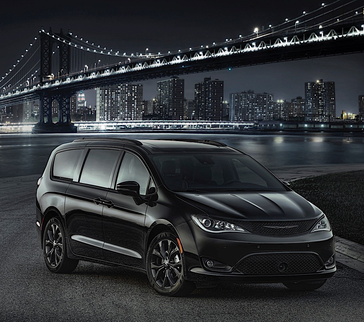Chrysler Pacifica And Dodge Caravan Get 35th Anniversary