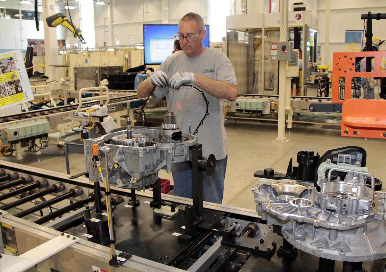 Chrysler Starts Producing 9-Speed Auto At Tipton Facility ...