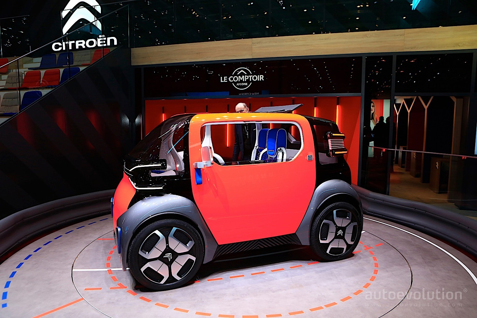citroen ami one disrupts geneva with tiny dimensions and. Black Bedroom Furniture Sets. Home Design Ideas
