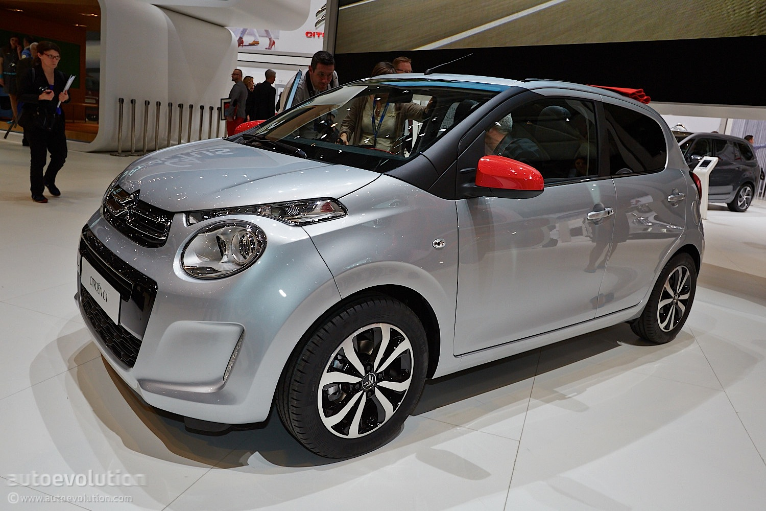 citroen c1 marks return to form for small french cars. Black Bedroom Furniture Sets. Home Design Ideas