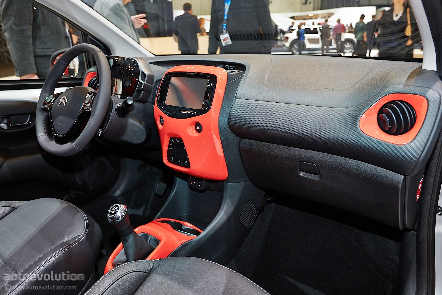 Citroen c1 marks return to form for small french cars live photos autoevolution