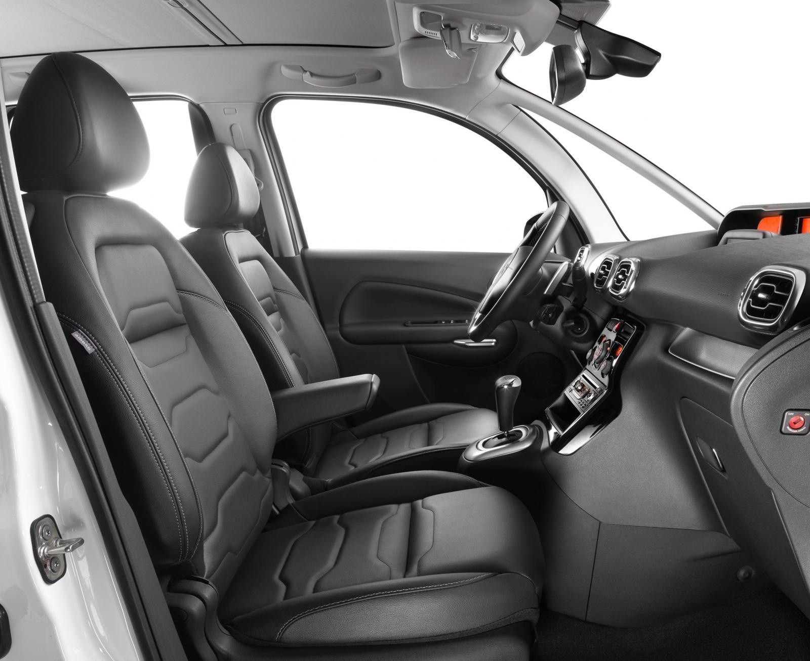 citroen c3 picasso gets updated for 2013 autoevolution. Black Bedroom Furniture Sets. Home Design Ideas