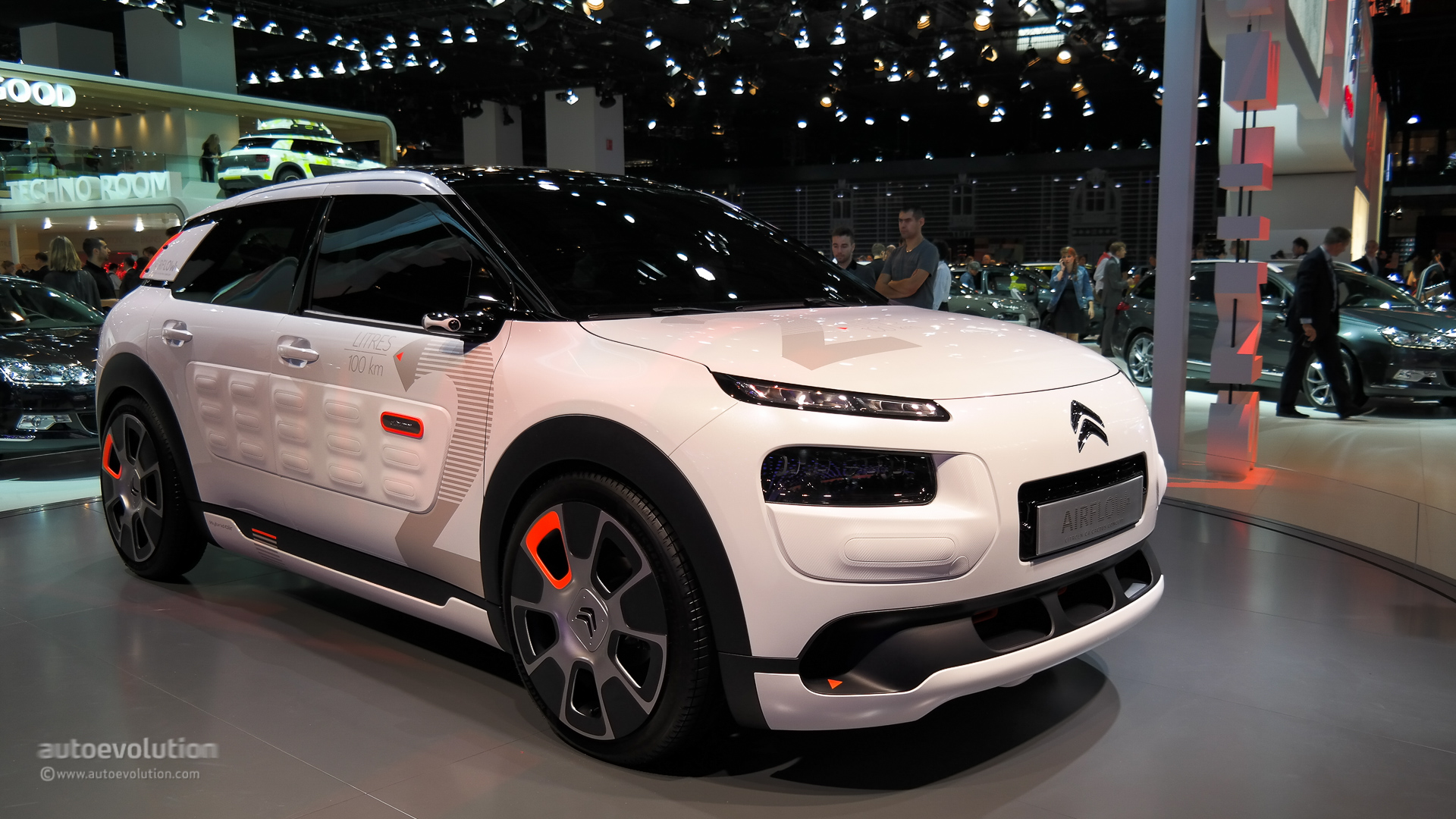 citroen c4 cactus airflow 2l concept hisses at paris 2014 live photos autoevolution. Black Bedroom Furniture Sets. Home Design Ideas