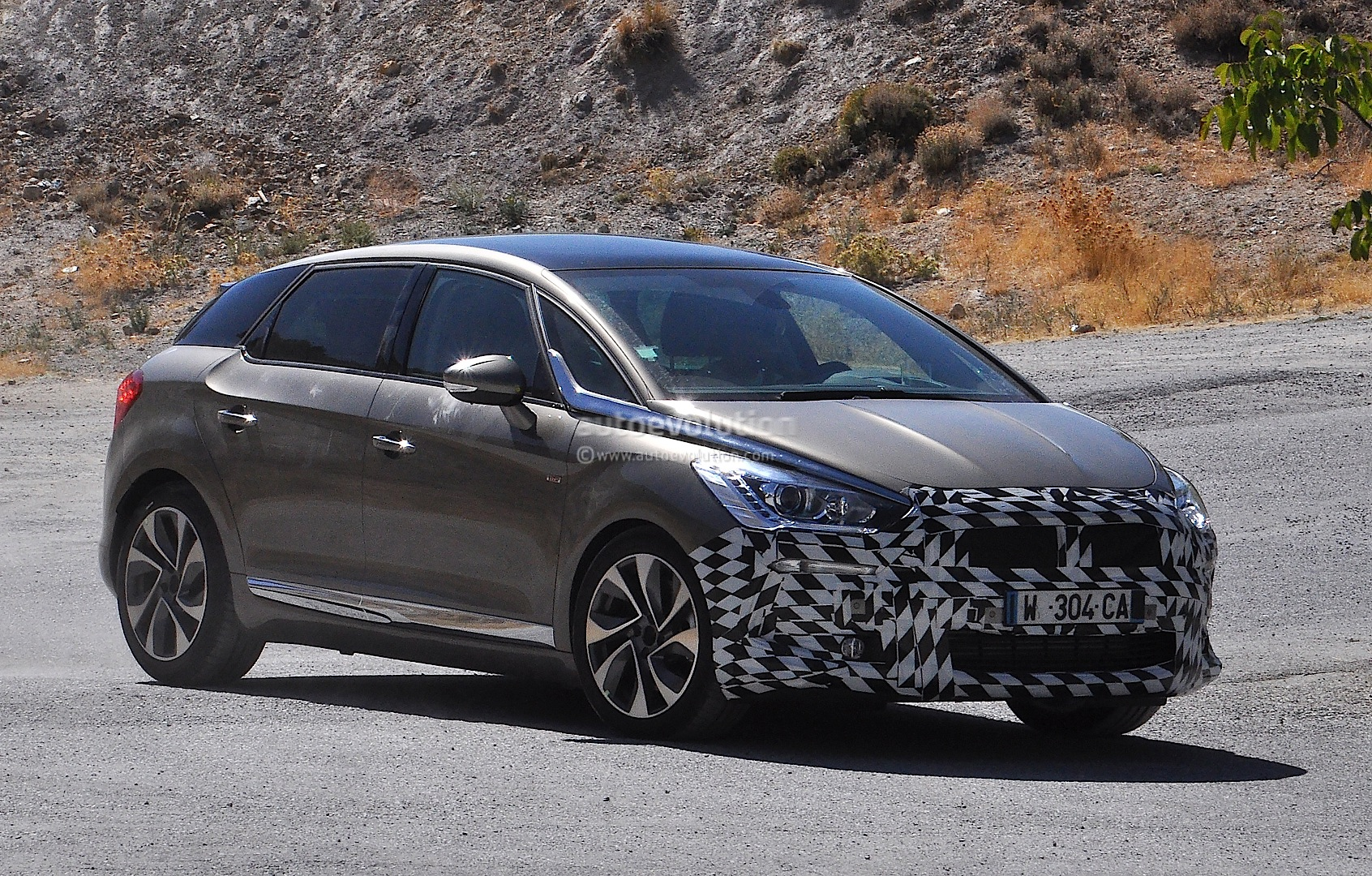 Citroen DS Facelift Spied For The First Time