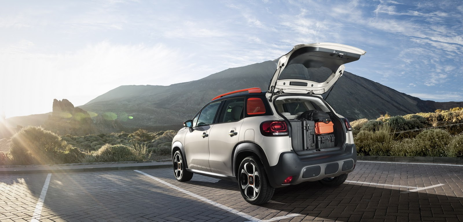 citroen presents c3 picasso replacing c3 aircross. Black Bedroom Furniture Sets. Home Design Ideas