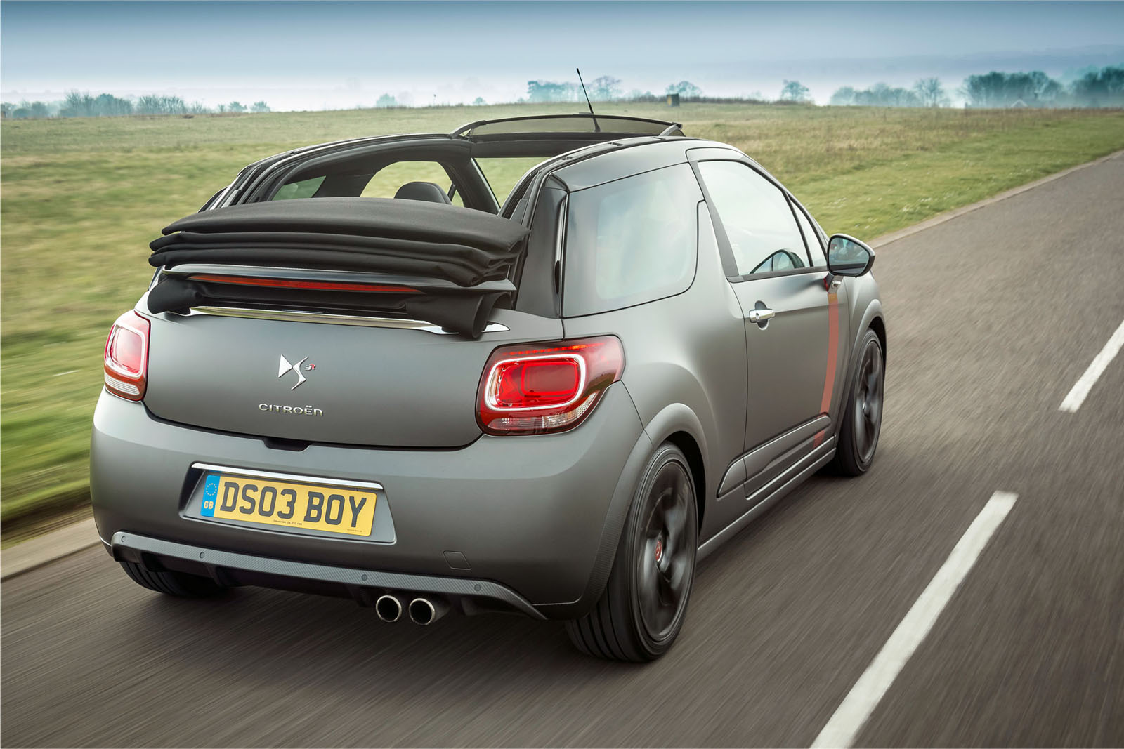 citroen prices ds3 cabrio racing in britain limits. Black Bedroom Furniture Sets. Home Design Ideas