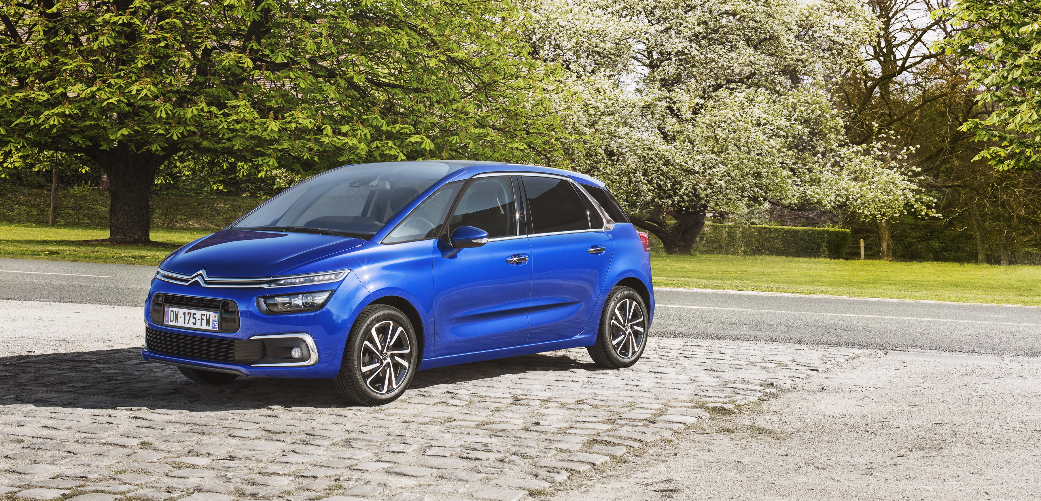 citroen replaces c4 picasso with c4 spacetourer nothing else has changed autoevolution. Black Bedroom Furniture Sets. Home Design Ideas
