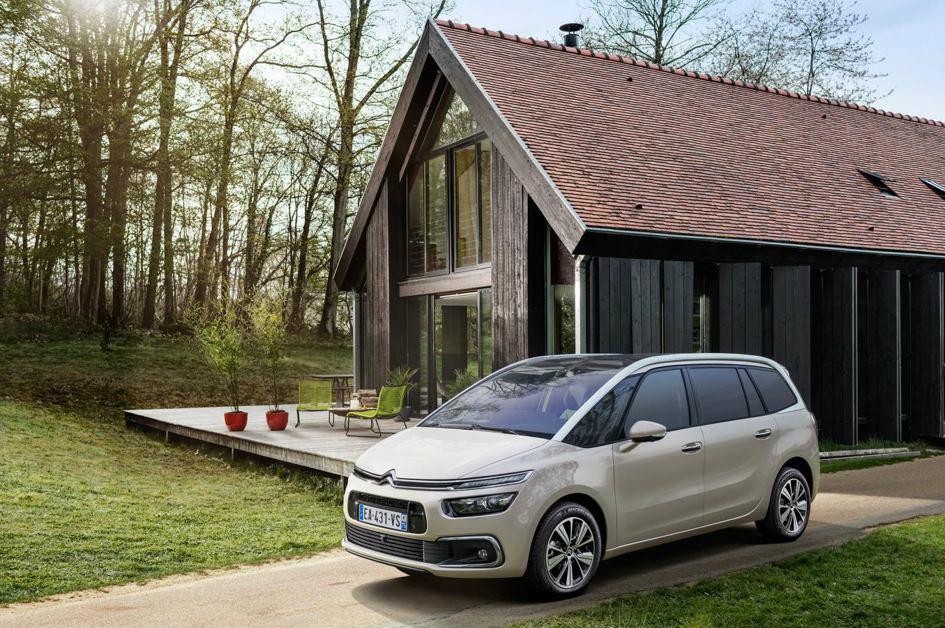 citroen replaces c4 picasso with c4 spacetourer nothing. Black Bedroom Furniture Sets. Home Design Ideas