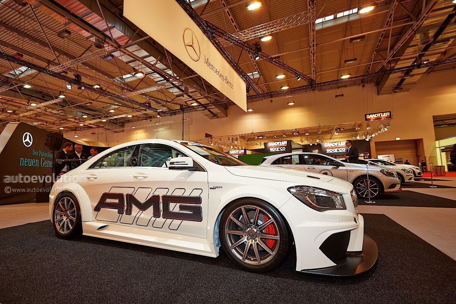 cla 45 amg racing series looks track hungry at essen autoevolution. Black Bedroom Furniture Sets. Home Design Ideas