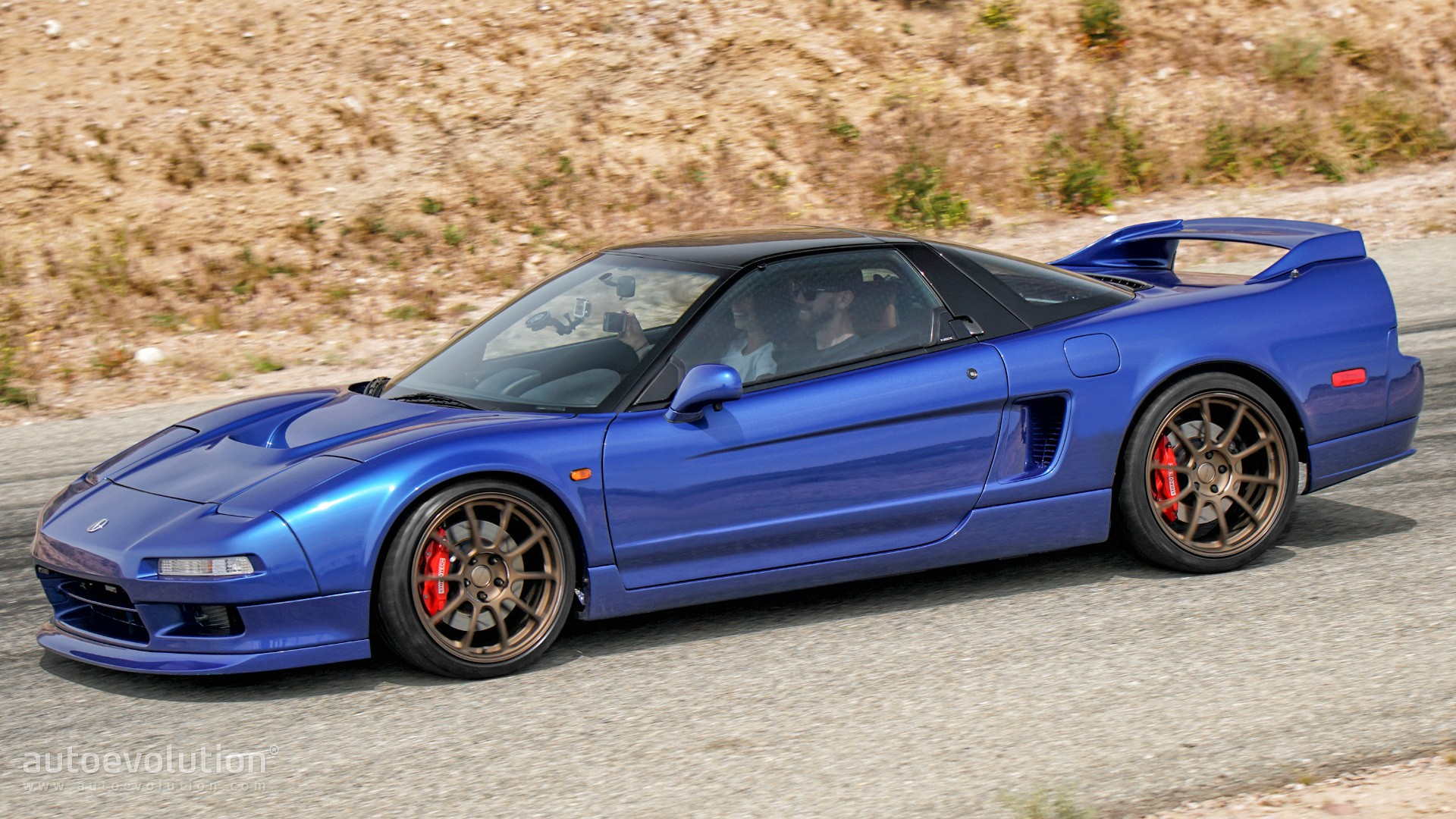 clarion builds resurrects and improves a 1991 acura nsx_5 clarion's newest dashboard marvel is a knockout autoevolution