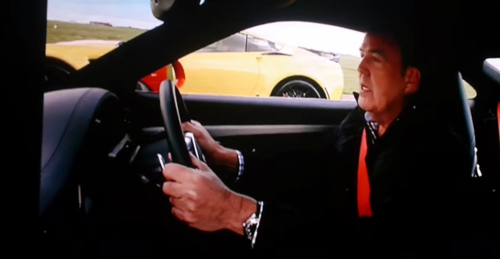 clarkson hammond and may live tease video supercar comparison autoevolution. Black Bedroom Furniture Sets. Home Design Ideas