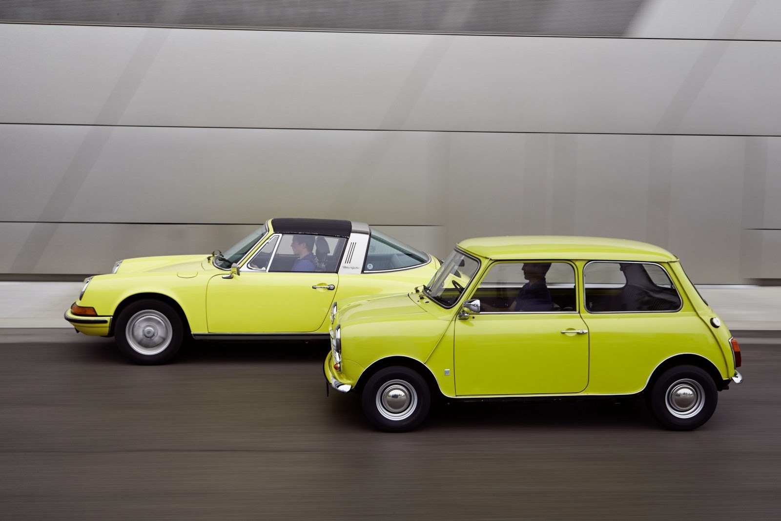 Classic Mini Says Happy 50th Birthday To Porsche 911 Autoevolution