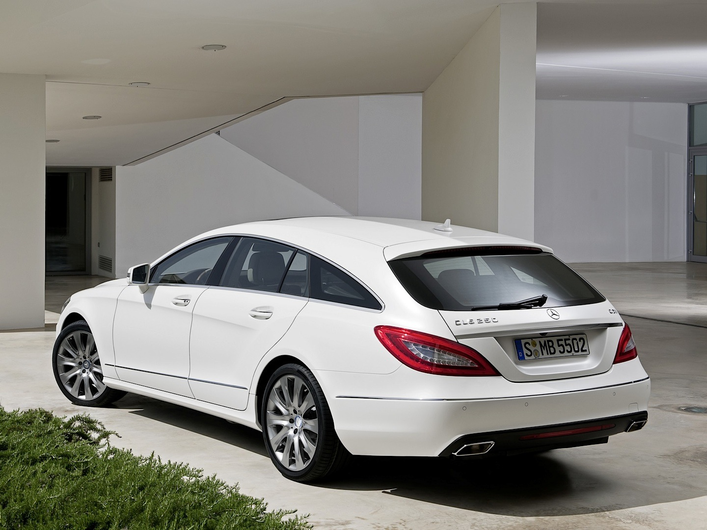 Cls 250 cdi shooting brake is not that slow autoevolution for Mercedes benz cl 250