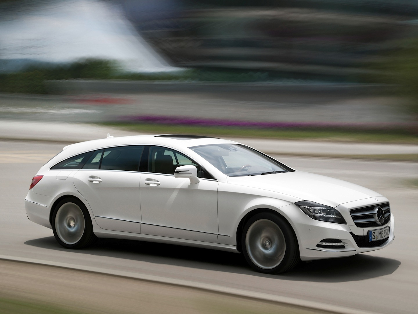 Cls 250 Cdi Shooting Brake Is Not That Slow Autoevolution