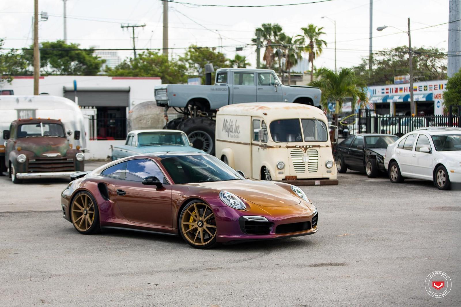 Color Flip Porsche 911 Turbo On Vossen Wheels Gets A Cool