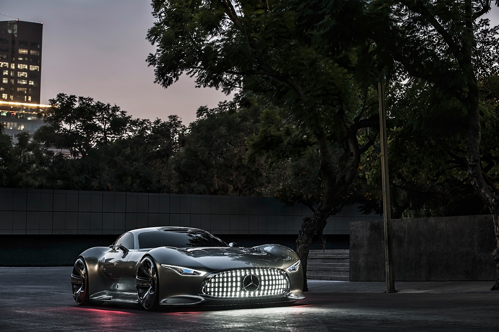 Company wants to build the mercedes benz amg vision gran for Mercedes benz build