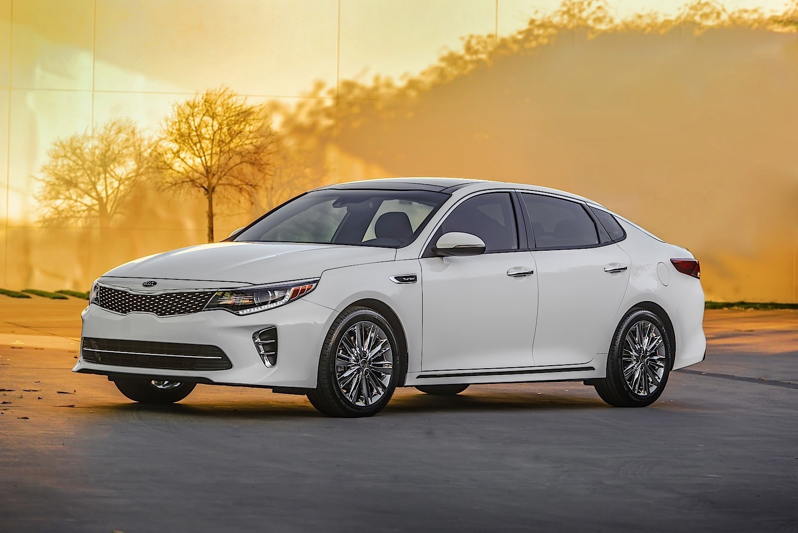 extensive reviews as most car magazines and websites do the people at consumer reports focus on additional factors to determine their top ten picks of
