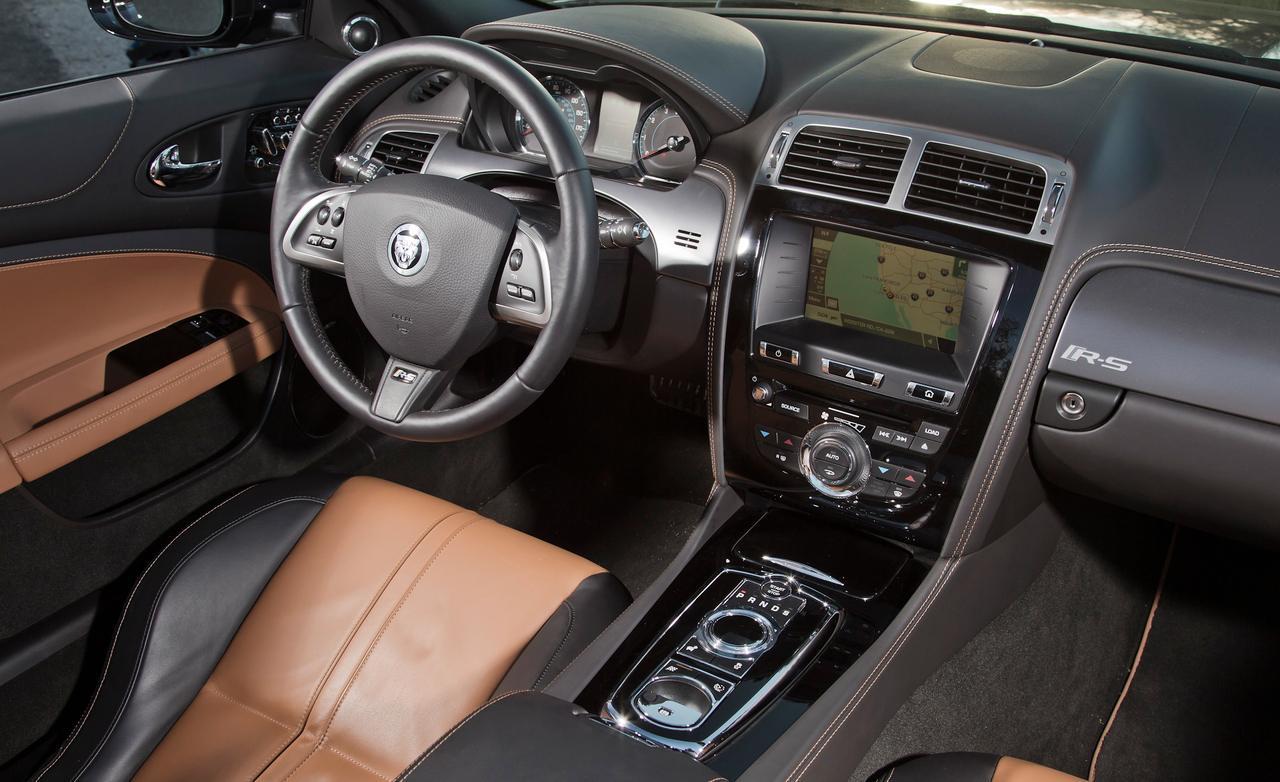 Convertible Comparison Test: BMW M6 vs Jaguar XKR-S vs