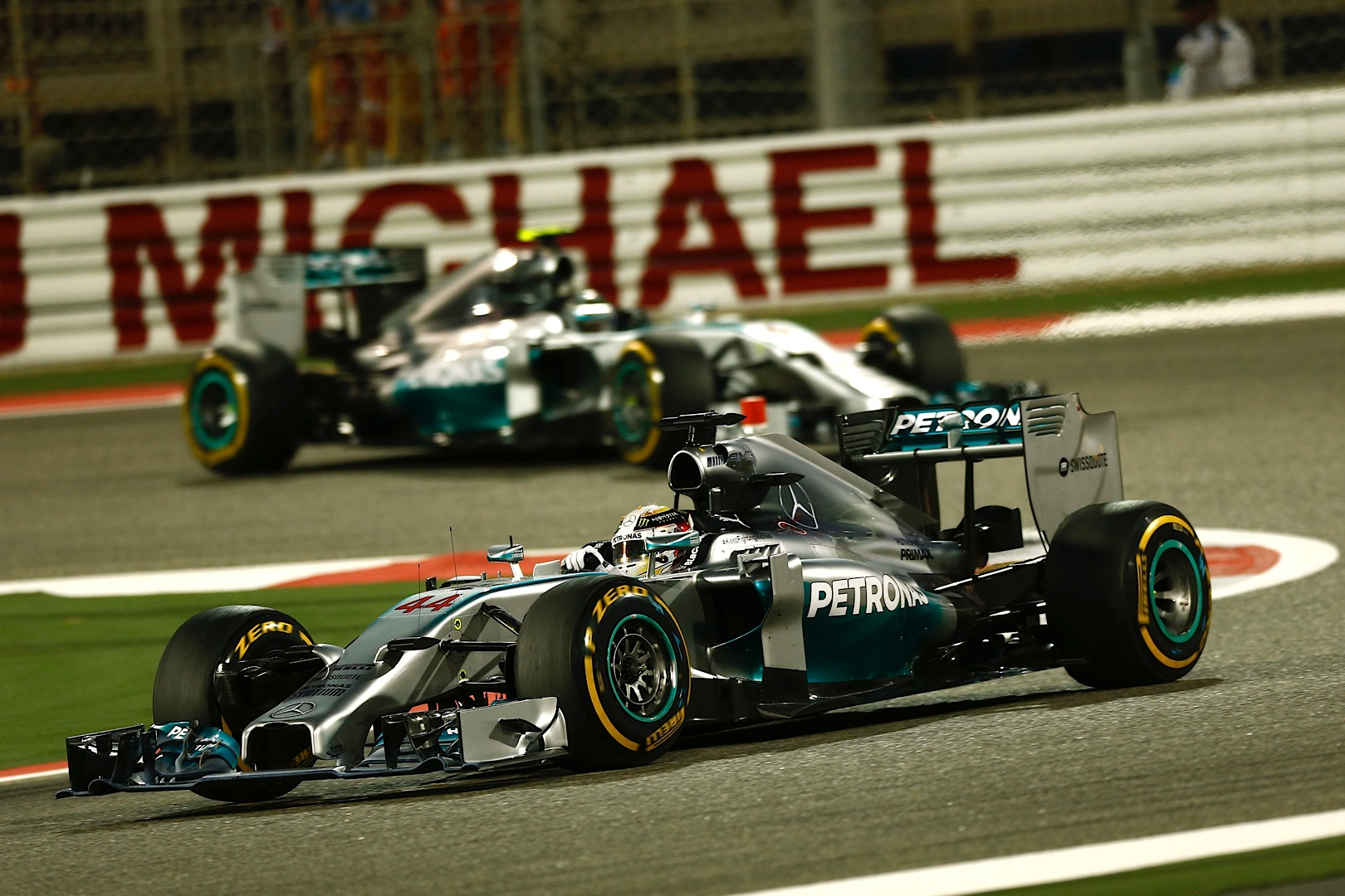 Formula 1 Hd: Coolest F1 Race In Years Sees Hamilton And Rosberg Do A