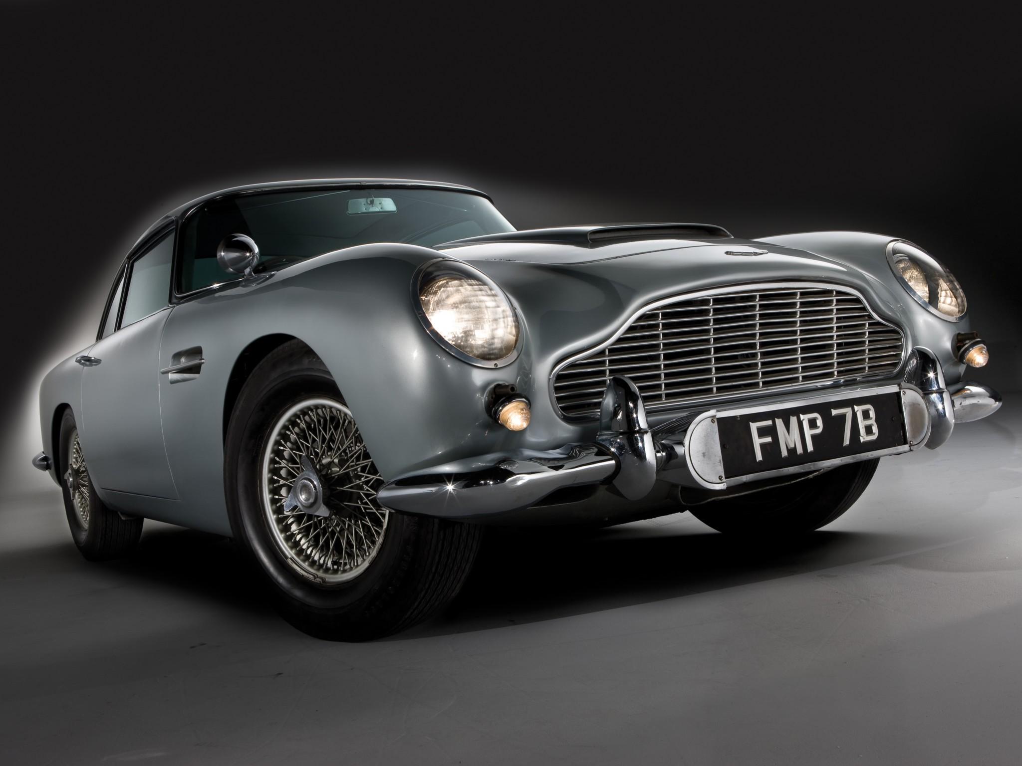 coolest james bond car ever autoevolution. Black Bedroom Furniture Sets. Home Design Ideas