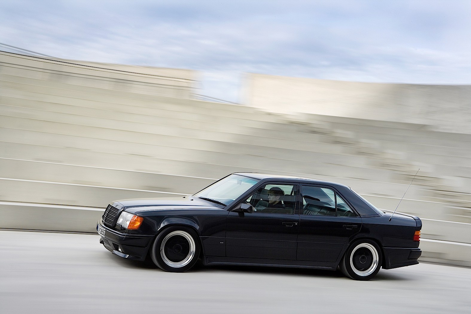 Coolest obscure mercedes amg models in history autoevolution for 87 mercedes benz