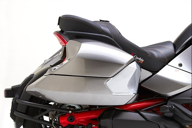Corbin Shows Can Am Spyder F3 Saddlebags They Re Bigger