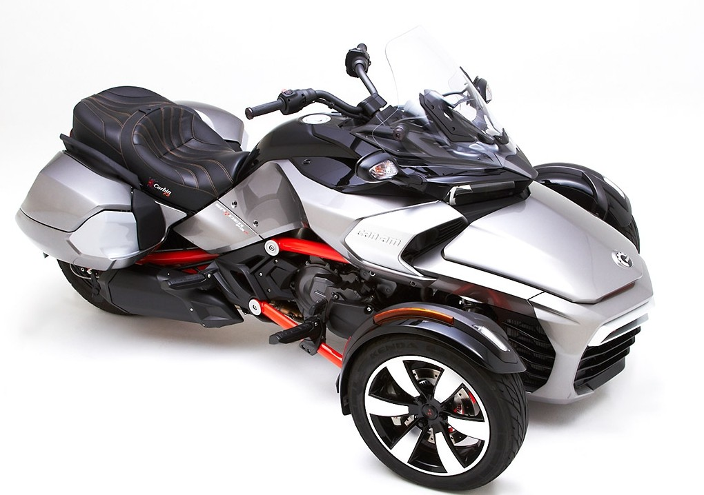 corbin shows can am spyder f3 saddlebags they 39 re bigger than the oem ones autoevolution. Black Bedroom Furniture Sets. Home Design Ideas