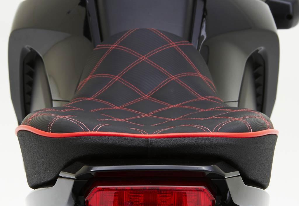 2015 Honda Grom >> Corbin Surfaces New Seats for Honda Grom