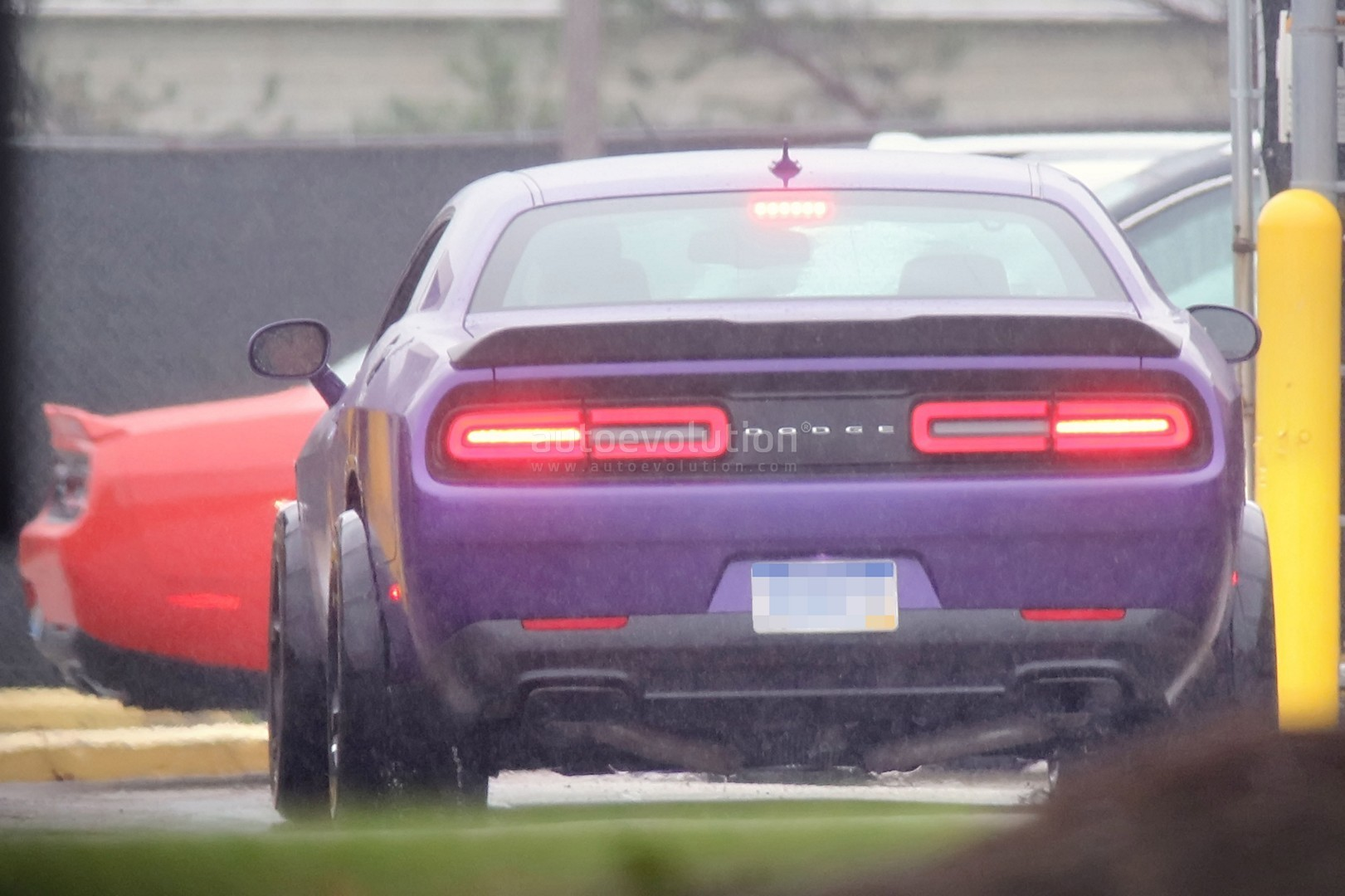 ... These Be the First Spy Photos of the 2018 Dodge Challenger SRT Demon