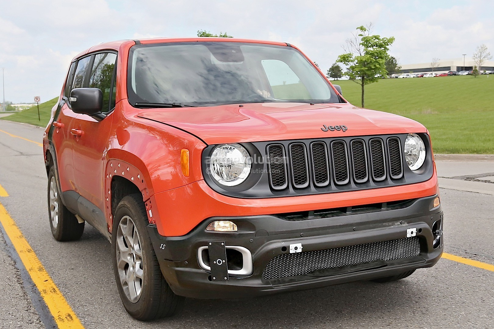 2017 jeep c suv to drop cusw platform share styling with the jeep renegade and fiat 500x. Black Bedroom Furniture Sets. Home Design Ideas