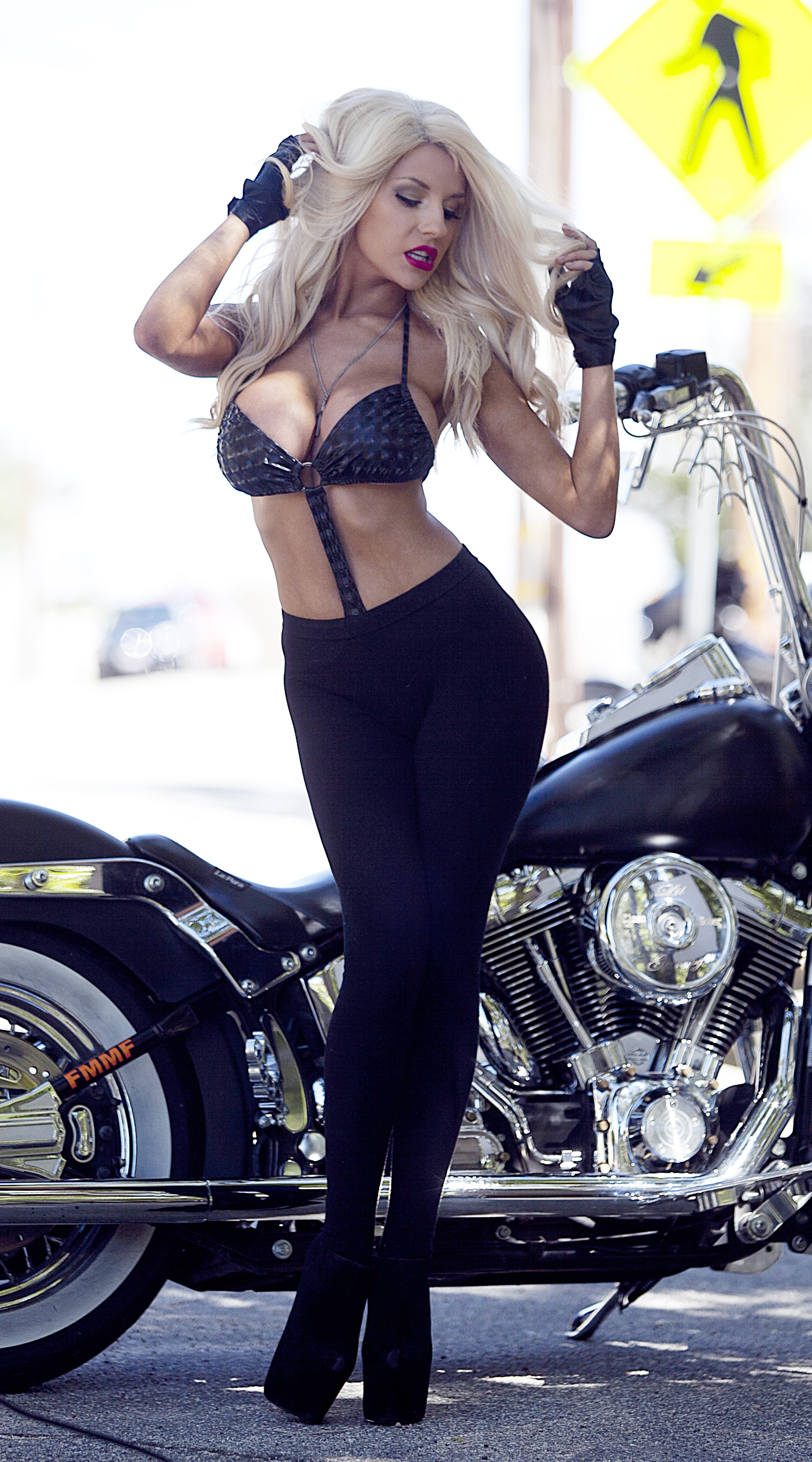 Harley davidsons ladies sexy leather