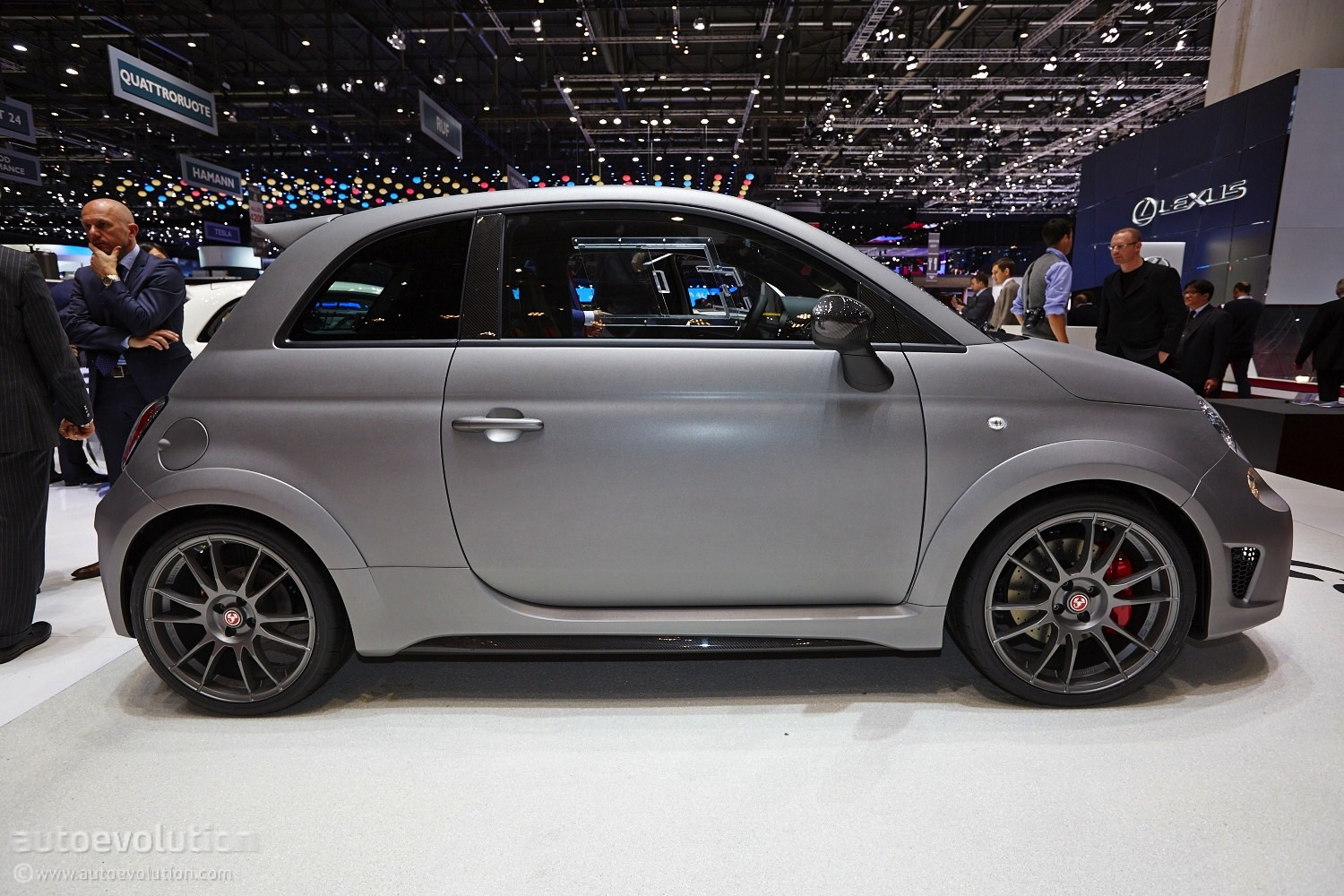 crazy 190 hp abarth 695 biposto growls in geneva live photos autoevolution. Black Bedroom Furniture Sets. Home Design Ideas