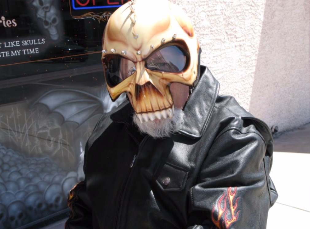 Bell Moto 3 >> Crazy Airbrushed Skull Helmets Need your Help - autoevolution