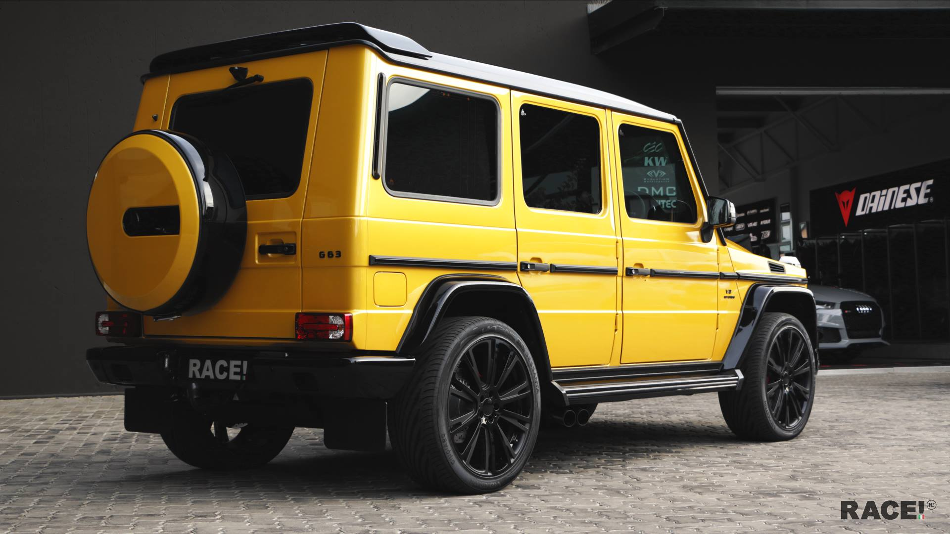 Crazy Color Yellow G63 Amg With Brabus Parts By Race Autoevolution